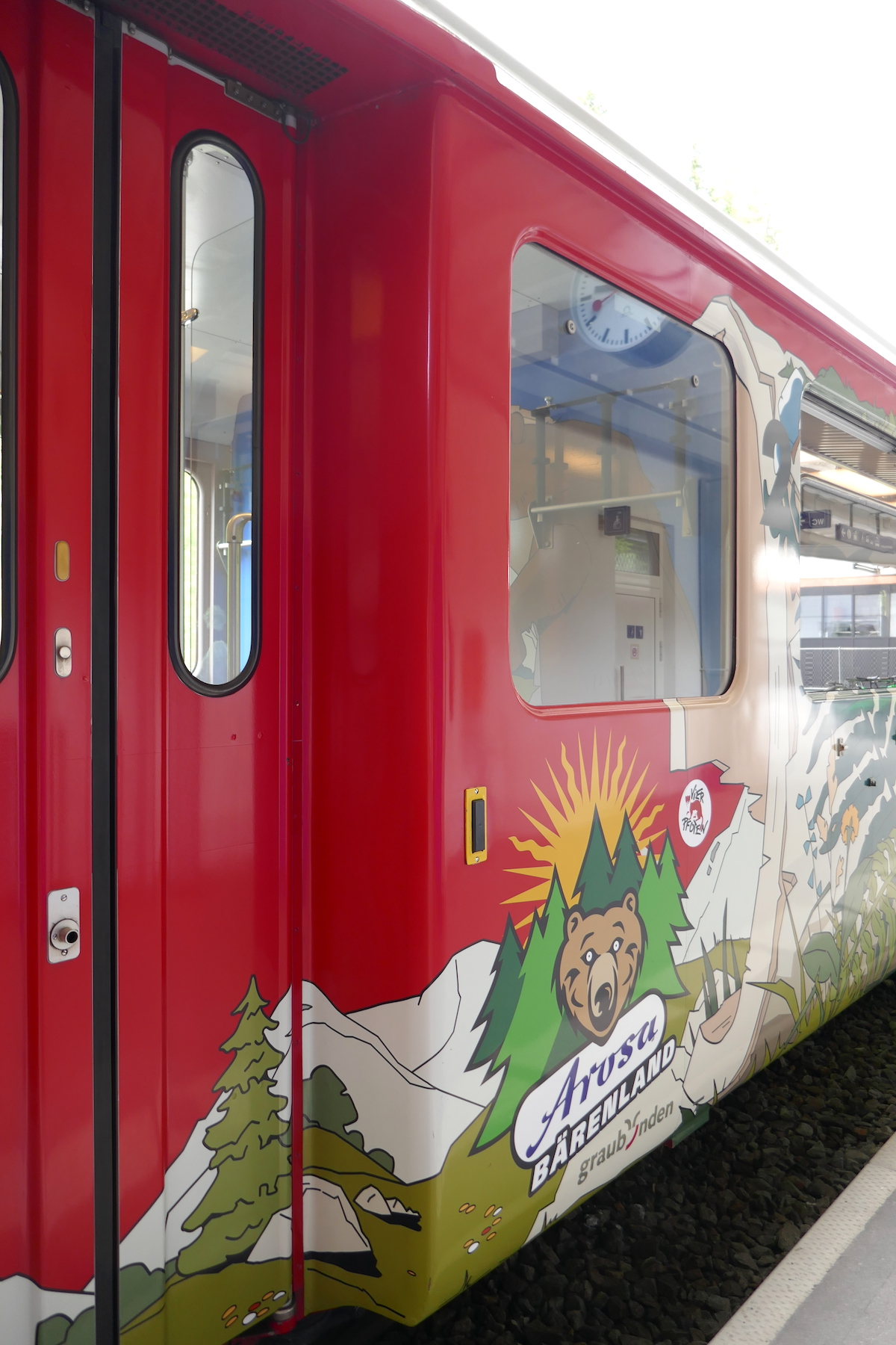 Anreise von Chur nach Arosa im Bärenwagen der Rhätischen Bahn