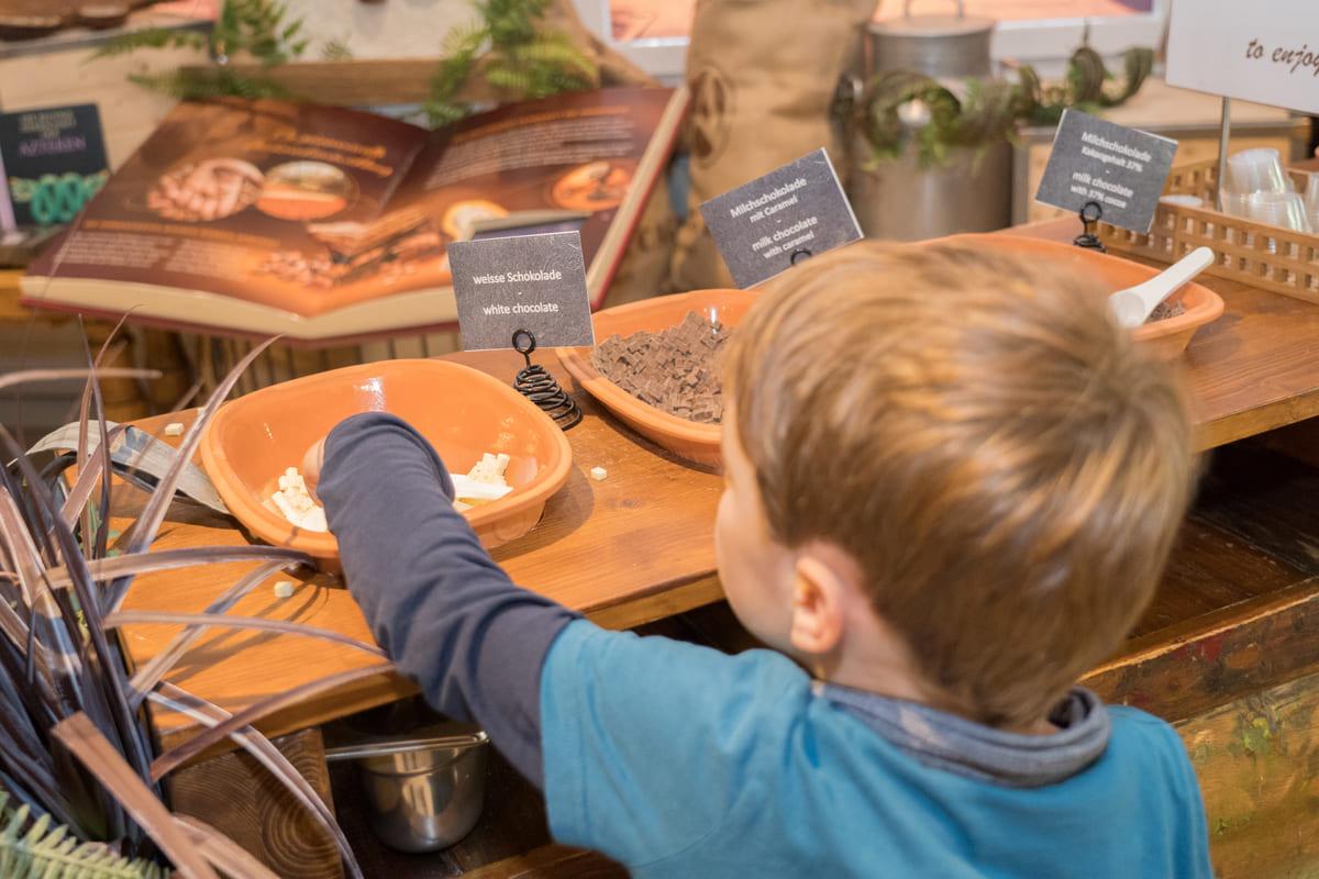 ChocoWelt Aeschbach Chocolatier probieren