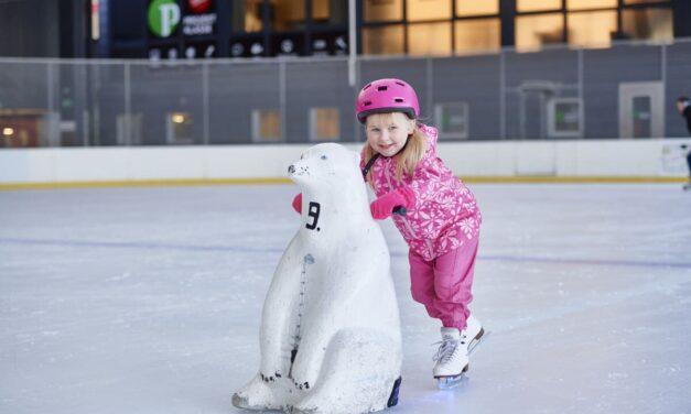 cooler Kindergeburtstag auf dem Eisfeld in Luzern